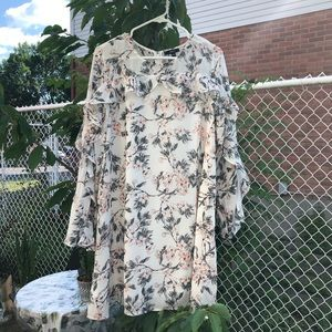 Dresses & Skirts - 🔥2 for $40🔥Floral And Ruffle Summer Dress